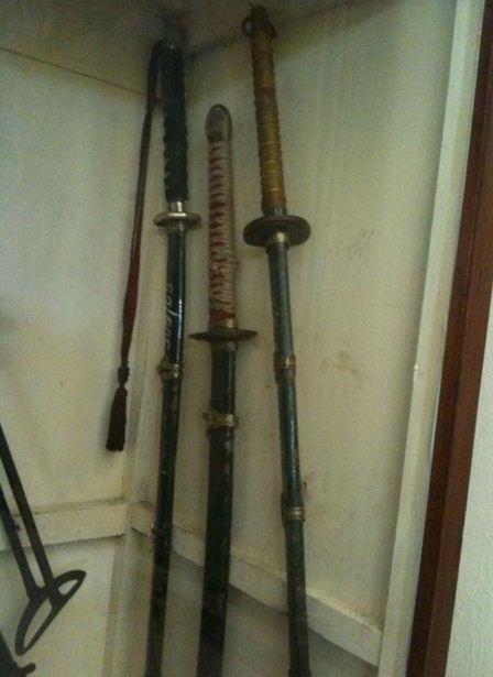 pedang jepang samurai