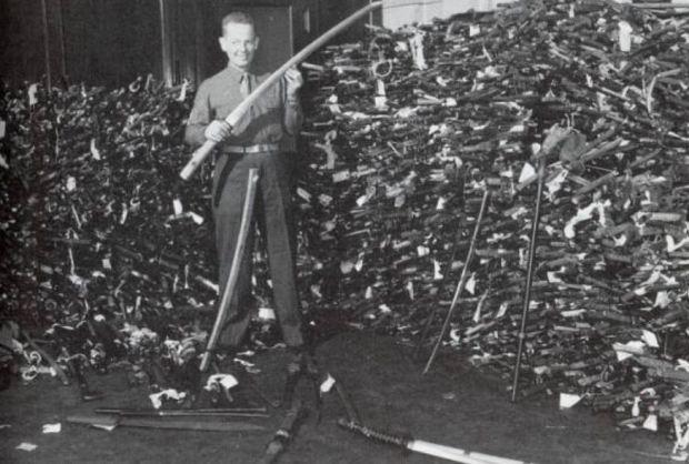 tumpukan pedang jepang PD II